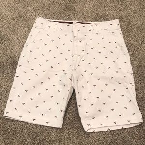 Lobster shorts size 32